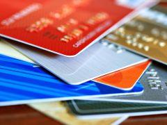 Kartu Debit vs Kartu Kredit, Mana Pilihan Anda?