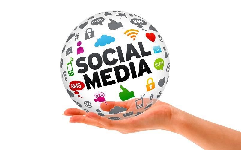Mengelola Sosial Media