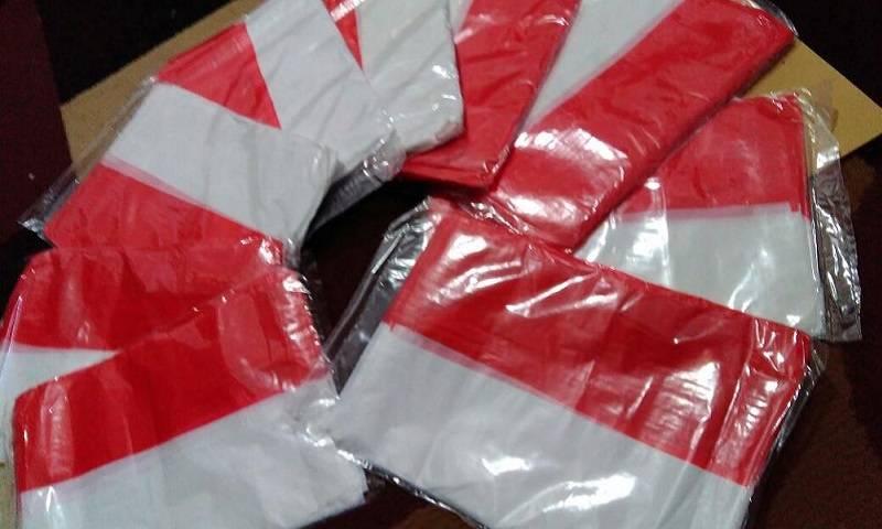 bendera merah-putih plastik