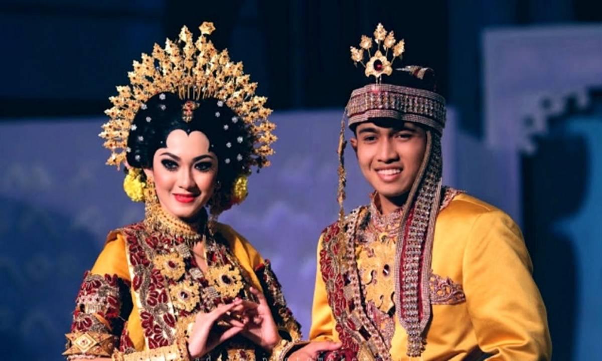 Tradisi Pernikahan Adat Termahal di Indonesia - Cermati.com