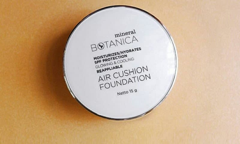 Mineral Botanica Air Cushion Foundation