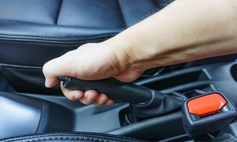 Rem Tangan Mobil