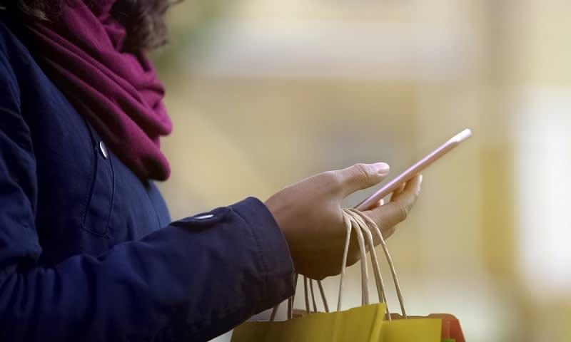 5 Alasan Kenapa Banyak Orang Beralih ke Belanja Online - Cermati c0373aa191