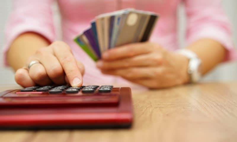 berutang untuk membayar utang