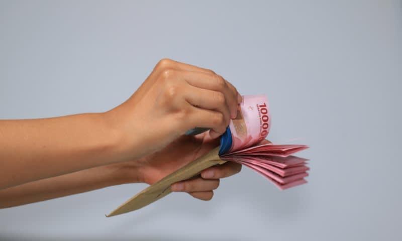 Mendapatkan uang sewa