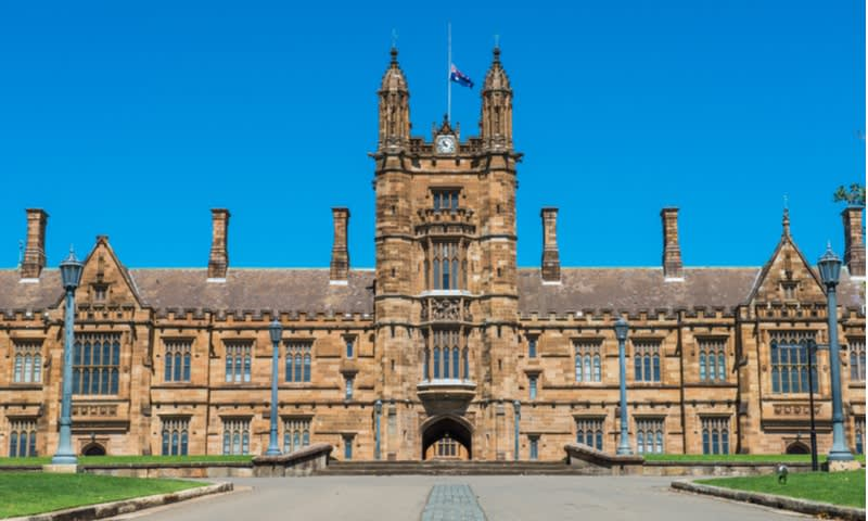 Universitas Nasional Australia