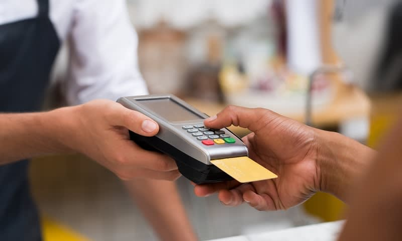 belanja bulanan bayar dengan kartu kredit