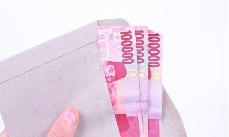 Ilustrasi Simpan Uang untuk Investasi Pengembangan Usaha