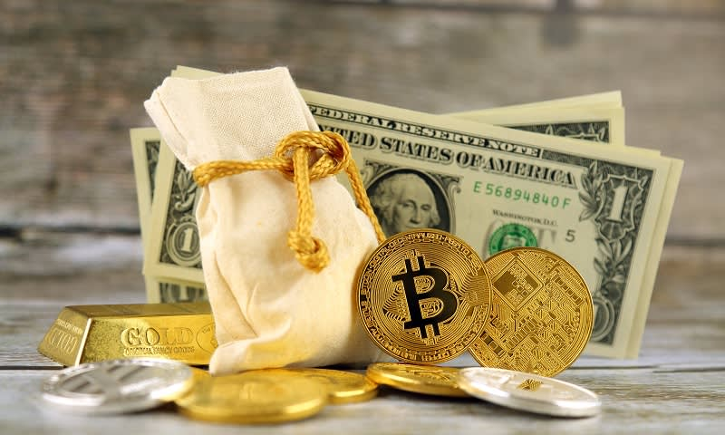 Emas dan Dollar