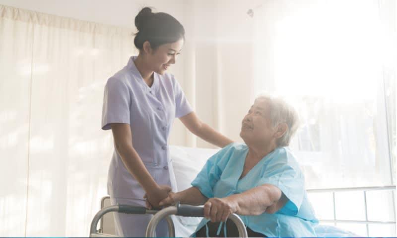 Perawat Rumah Sakit
