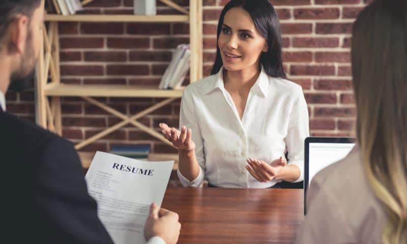 Tips Menjawab 10 Pertanyaan Jebakan saat Interview Kerja - Cermati.com
