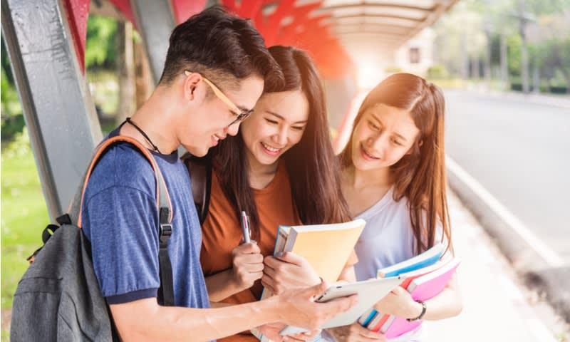 Tips Mudah Adaptasi di Universitas untuk Mahasiswa Baru - Cermati.com