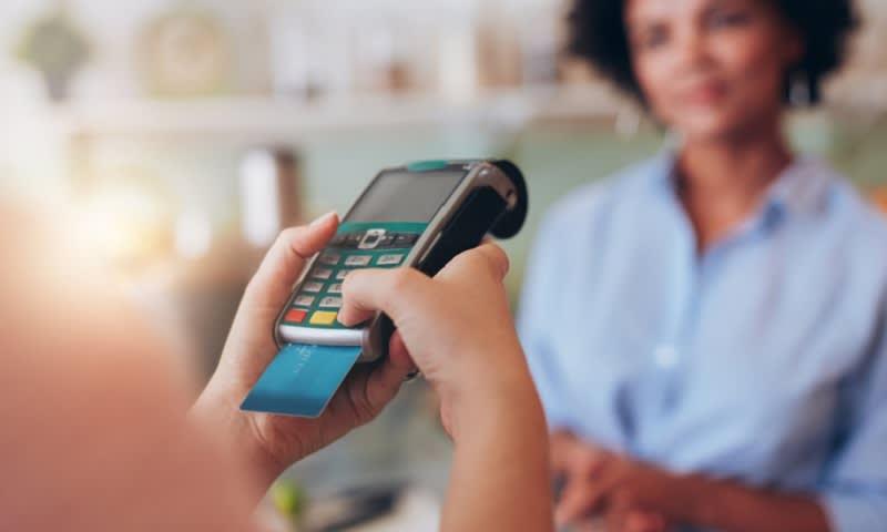 Memakai Limit Kartu Kredit sampai Habis