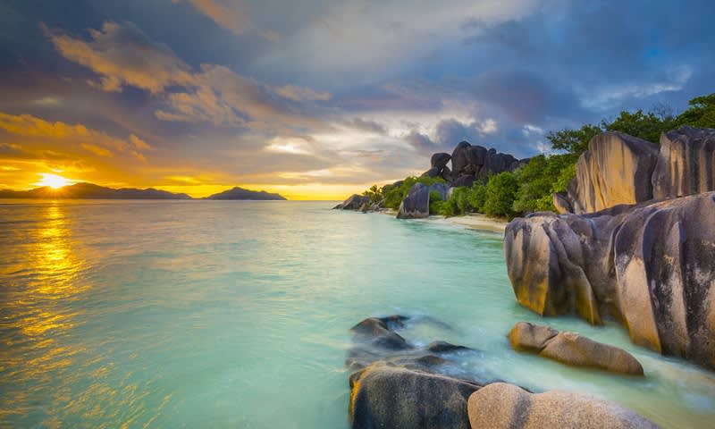 Pantai Terindah di Dunia Anse Source D'Argent