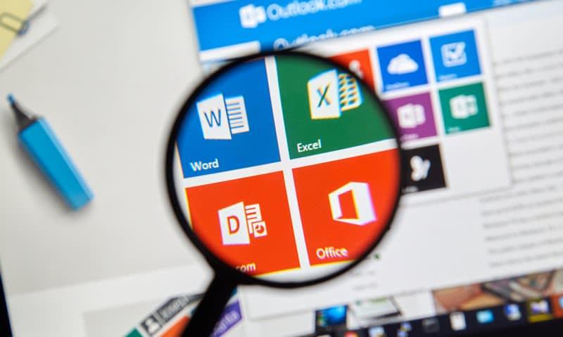 Mengoperasikan Software Microsoft
