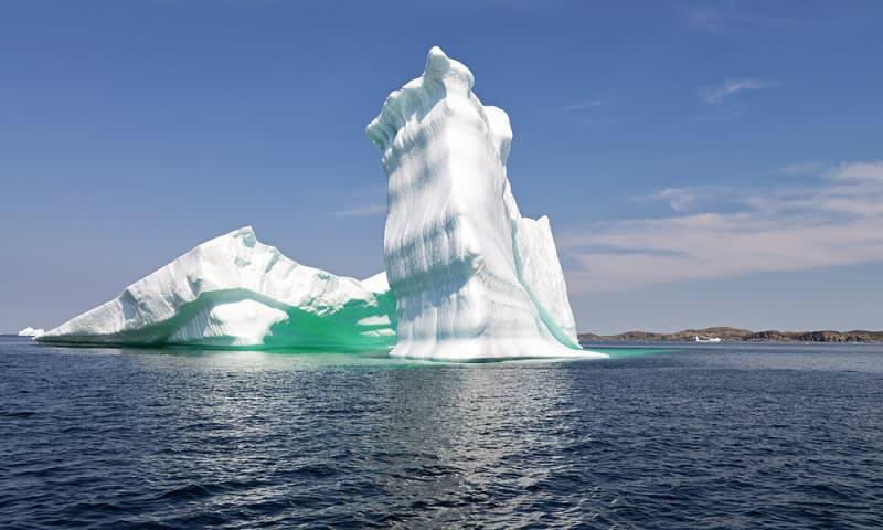 Salah Satu Gunung Es di Newfoundland, Canada